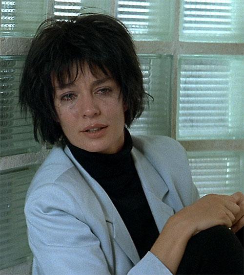 Nikita (Anne Parillaud) crying
