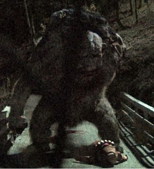 Trollhunter - Ringlefitch troll on a bridge