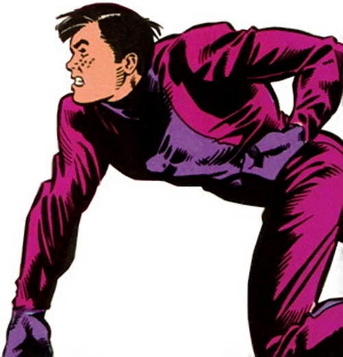 Ol-Vir (Legion of Super Heroes enemy) (DC Comics) throwing a punch
