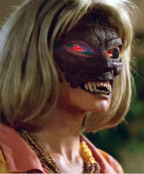 Ovu Mobani (Buffy the Vampire Slayer enemy) mask worn by a zombie woman 3/3