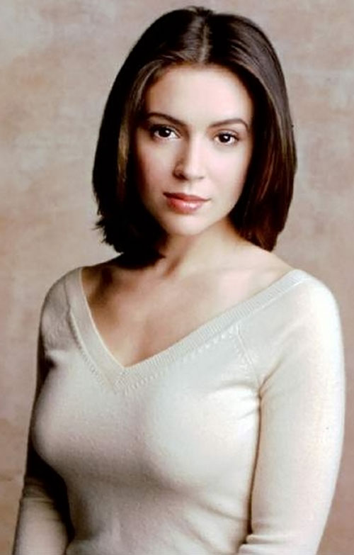 Phoebe Halliwell (Alyssa Milano in Charmed) tight sweater