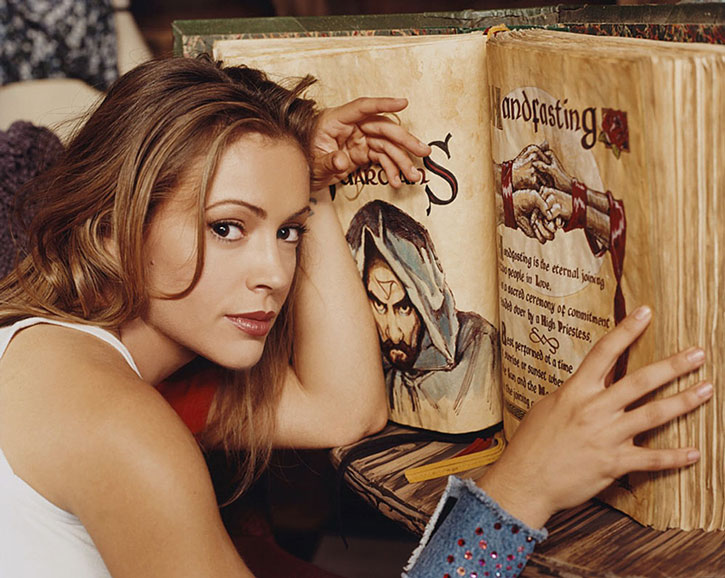 Phoebe Halliwell (Alyssa Milano) and the Book of Shadows