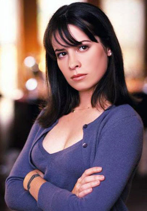 Piper Halliwell (Holy Marie Combs in Charmed)