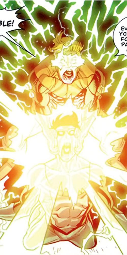 Powerplex (Invincible comics) trying to kill Invincible
