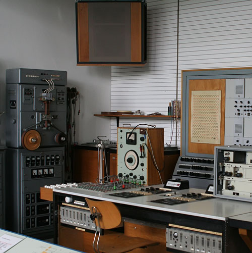 Siemens recording studio in 1956 (Wikicommons)
