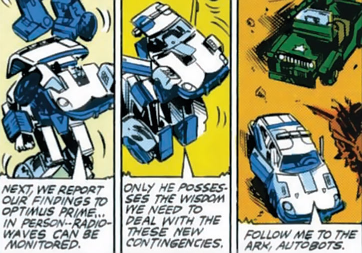 Prowl of the Transformers - 1980s Marvel Comics version - Transforming