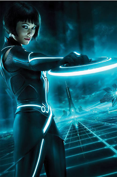 Quorra (Olivia Wilde in Tron: Legacy) with her disc out