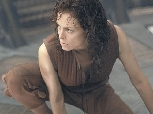 Ripley-8 (Sigourney Weaver) crouching