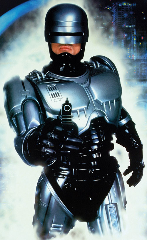 Robocop (Peter Weller) pointing his gun