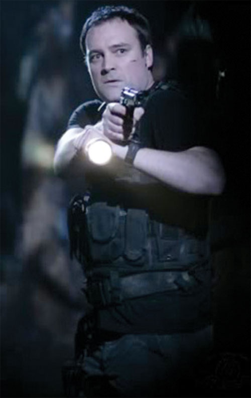 Rodney McKay (David Hewlett in Stargate Atlantis) in a Harries stance