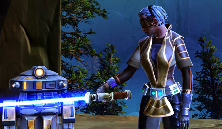 Star Wars Old Republic - Sabra Shulvu silent Jedi knight - Lightsabre and 7T droid