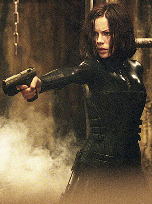 Selene (Kate Beckinsale in Underworld movies) pointing her Walter