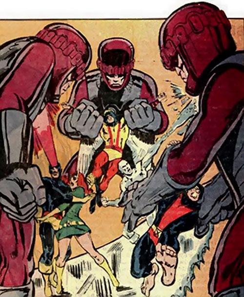 3 Sentinel Mk2 robots attacking the X-Men (Marvel Comics)