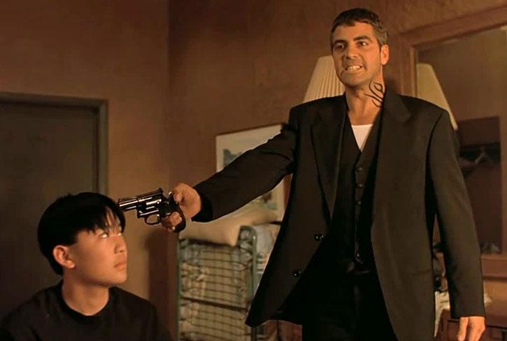 Seth Gecko (George Clooney) threatening a hostage