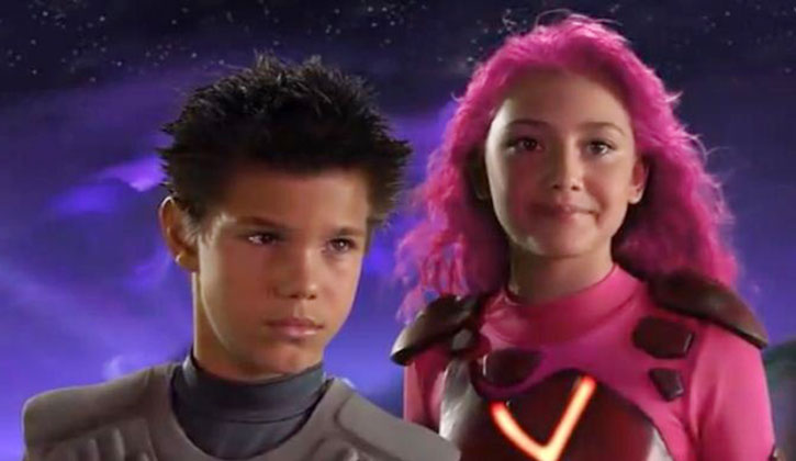 Sharkboy and Lavagirl looking approachable