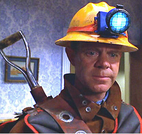 Shoveler (William Macy in Mystery Men) face closeup with helmet