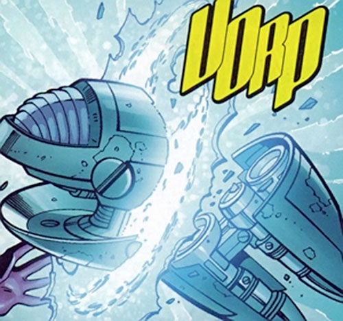 Shrakti (Negation Crossgen comics) slicing through a big gun