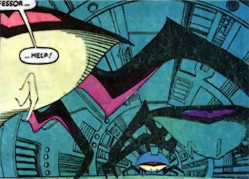 Sidri / Sidrian Hunters (X-Men aliens) (Marvel Comics) crawling along a tunnel