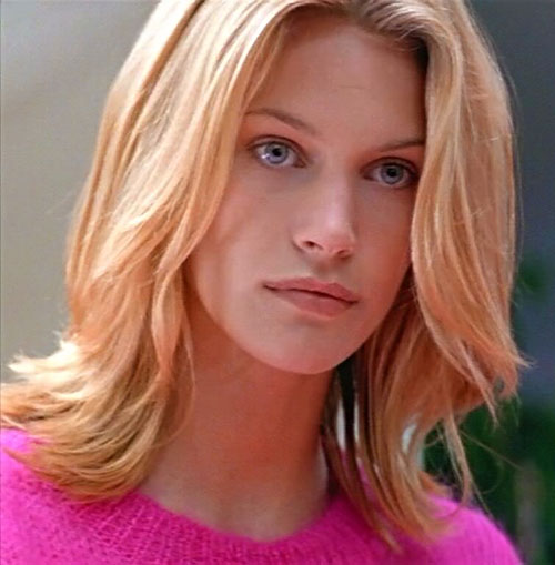 Species - Sil in Natasha Henstridge form face closeup
