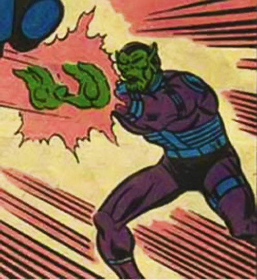 Skrull-X (Marvel Comics) attacking