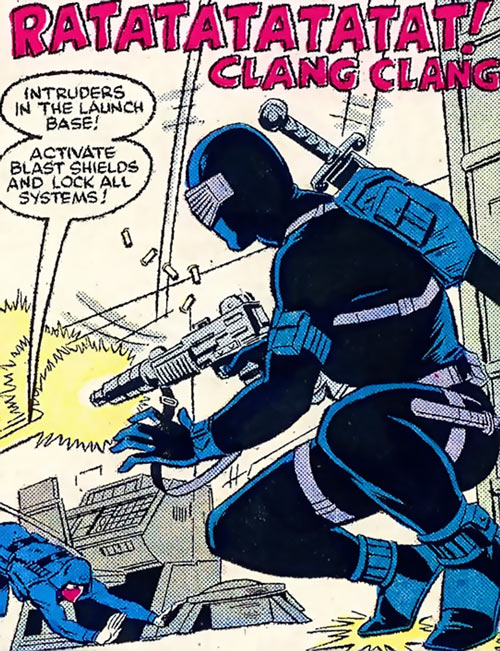 Snake Eyes (GI Joe Marvel Comics) shooting at a Cobra guard