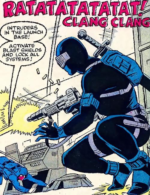 Snake Eyes (GI Joe Marvel Comics) shooting at a Cobra guard
