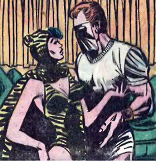 Sportsmaster (DC Comics Golden Age) - in white with the Huntress