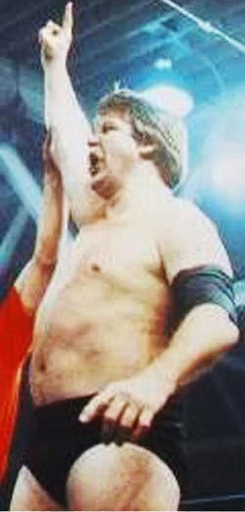Stan the lariat Hansen in the ring