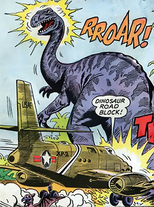 War that time forgot (DC Comics) - plane crashing into a giant dinosaur on the runway