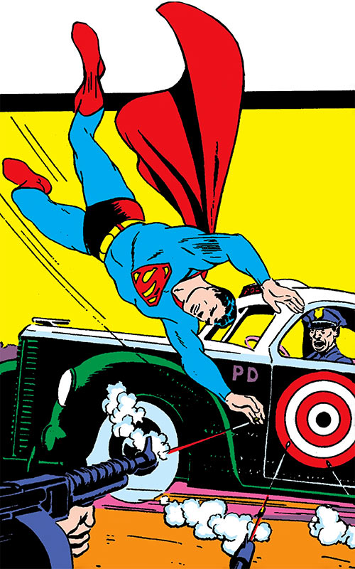 Superman in 1942 (DC Comics) - protecting a police cruiser