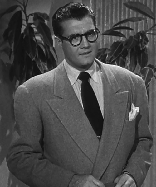 Superman (George Reeves in Adventures of Superman) - Clark Kent suit broad shoulders