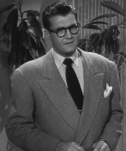 Superman (George Reeves in Adventures of Superman) - Clark Kent suit broad shoulders