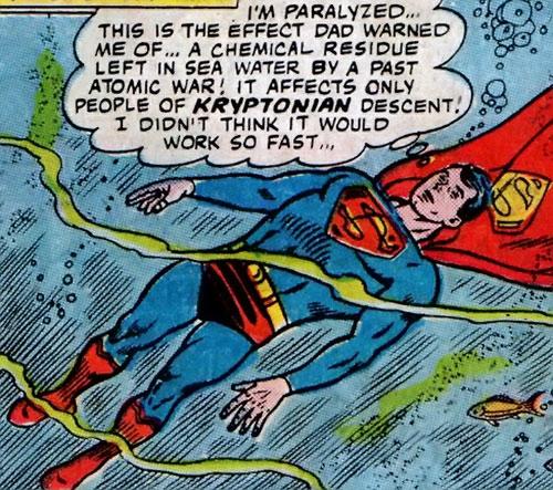 Superman of 2465 / 2965 (DC Comics) paralysed underwater