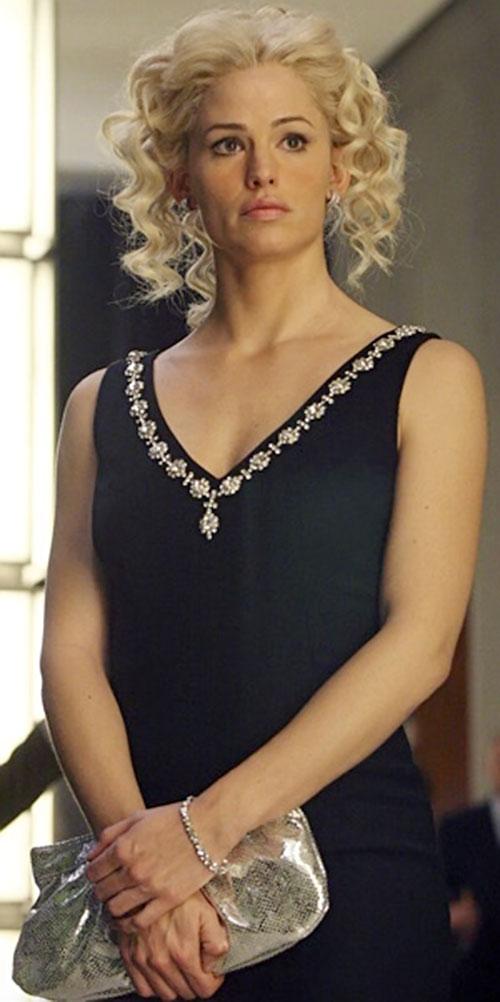 Sydney Bristow (Jennifer Garner in Alias) disguised as a blonde with wavy hair