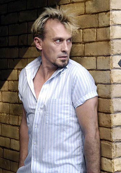T-Bag (Robert Knepper in Prison Break) sneaking around
