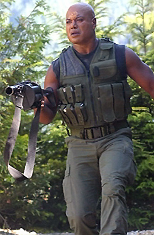 Teal'C (Christopher Judge in Stargate) with a grenade launcher