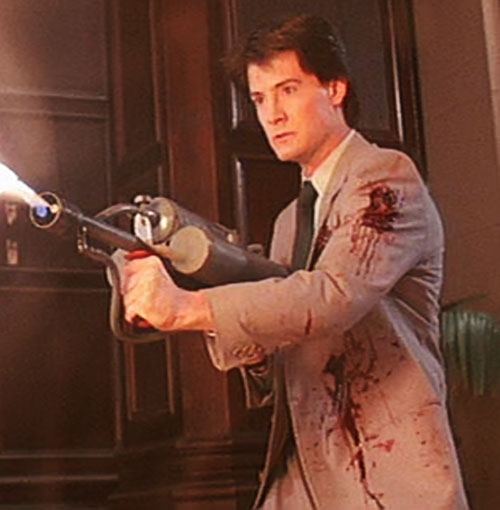 Kyle MacLachlan in The Hidden with a flamethrower
