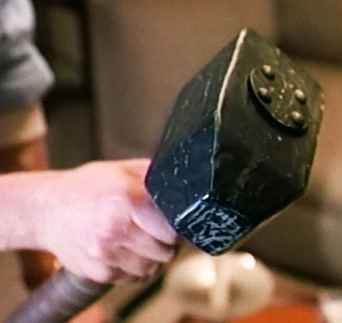 Thor (Eric Kramer in Incredible Hulk Returns) (Marvel movie) hammer closeup