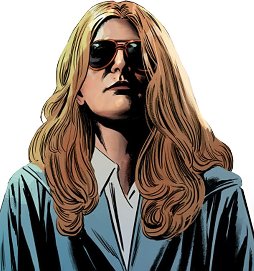 Velvet Templeton (Image Comics by Brubaker and Epting) disguised blonde