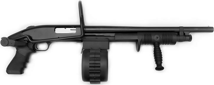 Drum-fed shotgun (Mossberg 500 with Sidewinder conversion)