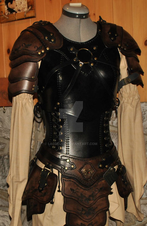Light body armour - Fantasy leather armour - La Gueuse