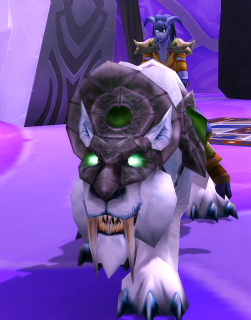 World of Warcraft - Draenei shaman - Ravenstill - white riding tiger