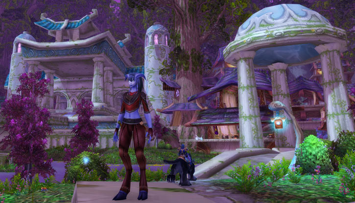 World of Warcraft - Draenei shaman - Ravenstill - visiting darnassus
