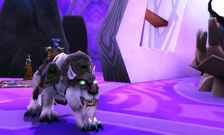 World of Warcraft - Draenei shaman - Ravenstill - white riding tiger on the Exodar