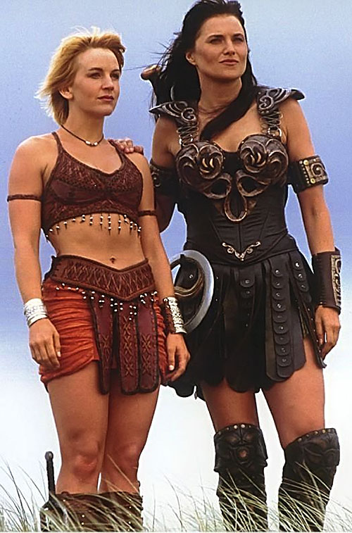 Xena (Lucy Lawless) close to Gabrielle