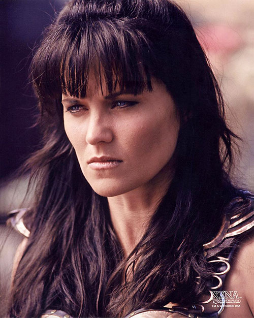 Xena (Lucy Lawless) squinting