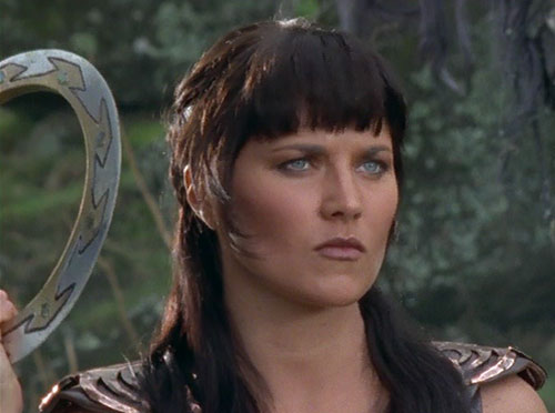Xena (Lucy Lawless) with her chakram