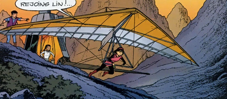 Yoko Tsuno flying a hang glider